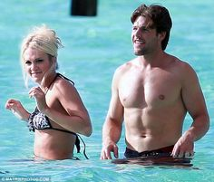 carrie underwood and mike fisher | ... 677 634x540 Carrie Underwood and Mike Fisher on their Honeymoon