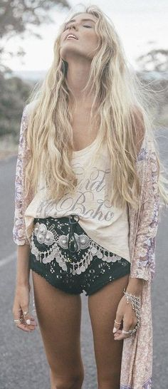 #summer #spellandthegypsycollective #outfits | Printed Kimono + Graphic Tee + Black Lace Shorts