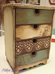 Decoupage Furniture, Decoupage Box, Decoupage Vintage, Funky Furniture, Recycled Furniture, Paint Furniture, Rustic Furniture, Furniture Makeover, Distressed Painting