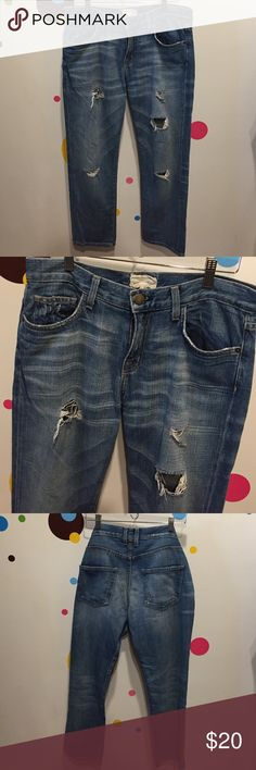 """Current Elliott Boyfriend Sz 26 PRICE FINAL! I'm moving soon so listing won't be up for long & I've priced at my lowest. Flat: W:16.5"""", H 19.5"""", FR 10.25"""", BR 13.25"""", I 27"""". 99% cotton 1% polyurethane The original CE BF! This jean has been well loved. Since I have two, I'm letting go of one. Current/Elliott Jeans Boyfriend"""
