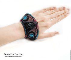 Купить Крупный браслет Сваровски агат бисер Карнавал черный голубой лиловый