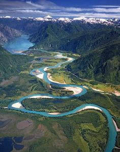 Río Puelo, Región de Los Lagos, Chile. Puerto montt