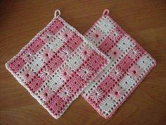 Crochet Bedspread Pattern, Granny Square Crochet Pattern, Crochet Stitches Patterns, Crochet Squares, Crochet Motif, Crochet Designs, Crochet Coaster, Filet Crochet, Crochet Tree
