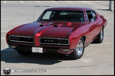 Vintage Cars Muscle 1968 Pontiac GTO (with the hideaway headlamps option). - The Ferrari Berlinetta grand tourer accelerates from 0 - 100 km/y - 60 mph) in just seconds and can reach a top speed of 365 km/h mph). 1968 Pontiac Gto, Pontiac Cars, 1969 Gto, Pontiac Lemans, Old Muscle Cars, American Muscle Cars, General Motors, F12 Berlinetta, Us Cars