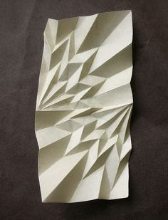 The intricacy of this paper fold is visually interesting and complex Origami And Kirigami, Origami Paper Art, 3d Paper, Paper Crafts, Paper Folding Techniques, Paper Folding Art, Folding Architecture, Paper Structure, Paper Engineering