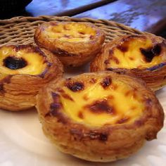 Pastel de nata: Portugese custard tarts ... one of my fav treats from abroad!! Must try to make.