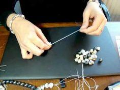www.joyanet.com - Como hacer un Collar largo enfilado con hilo de seda y nudos entre cada Perla