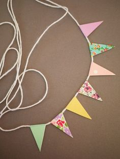 how to: mini bunting