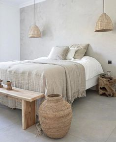 Une déco en gris et bois | Shake My Blog Scandinavian Bedroom, Cozy Bedroom, Bedroom Inspo, Home Decor Bedroom, Master Bedroom, Master Suite, Bedroom 2018, Bedroom Boys, Bedroom Wardrobe