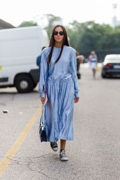 Fall Outfit Inspiration, Courtesy Of Milan Fashion Week #refinery29 http://www.refinery29.com/2016/09/124481/mfw-spring-2017-best-street-style-outfits#slide-13 Converse? Yes, please! Your feet will thank you....