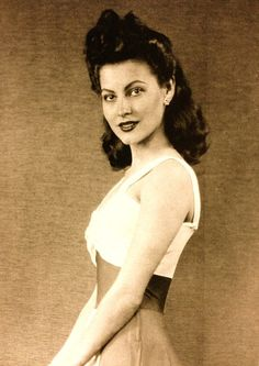 Ava Gardner Too bad we don't wear hairstyles like this anymore!