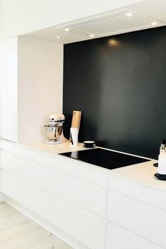 AUBOs Venezia Mat Line køkken: Malet model i flot design. #kitchen Interior Architecture, Interior Design, Kitchen Interior, Room Inspiration, Kitchen Dining, Furniture Design, Sweet Home, Home Decor, Children