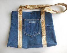 Monedero reciclado Jordache jeans, bolso denim, Hobo bolso, totalizador del dril de algodón reciclado, jean monedero, bolsillo hecho a mano, tan y oro interior