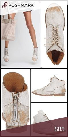 MATISSE x FP ✌🏽Scout Chuka NWT No 📦 Incredibly cool chukka style kicks in a tumbled distressed chalk leather. Back heavy duty zipper for easy on and off... All leather with synthetic heel. NWOT no box. True to size ✌🏽️ Free People Shoes Ankle Boots & Booties