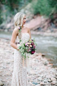 Badgley Mischka wedding dress | IYQ Photography | see more on: http://burnettsboards.com/2015/04/earthy-vibrant-wedding-editorial/
