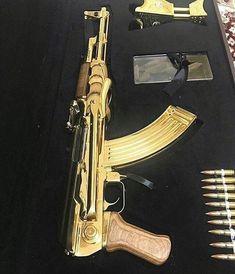 Weapons Guns, Guns And Ammo, Armas Wallpaper, Kalashnikov Rifle, Armas Ninja, Military Drawings, Homemade Weapons, Custom Guns, Military Guns