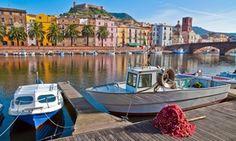 Groupon - Strandvakantie op Sardinië incl. vlucht en verblijf o.b.v. halfpension of all-inclusive in Castelsardo. Groupon-dealprijs: €269