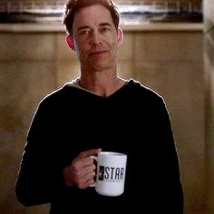 Doctor Sexy, Harrison Wells <== I can only agree Doctor Wells, Eobard Thawne, Superhero Tv Shows, Dinah Laurel Lance, Star Labs, Reverse Flash, Snowbarry, Fastest Man, Dc Legends Of Tomorrow