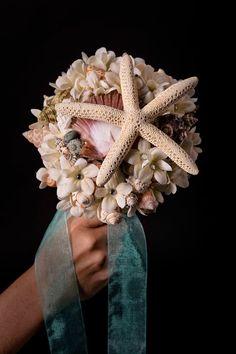 Sea Shell Bouquet di OneCreativeBeach su Etsy