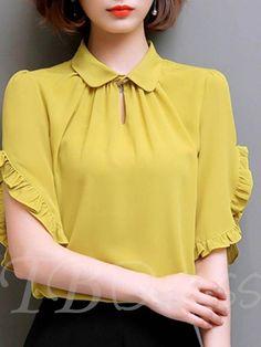 womens shirts and blouses Kurti Sleeves Design, Sleeves Designs For Dresses, Dress Neck Designs, Blouse Designs, Casual Tops For Women, Blouses For Women, Blouse And Skirt, Blouse Styles, Ideias Fashion