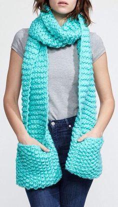 Bufanda con bolsas tejida