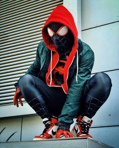 Into The Spider Verse Miles Morales Hoodie constructed with close onscreen articulations. Grab yours Spidey wear now and guise up genuinely. Spiderman Venom, Spiderman Cosplay, Spiderman Art, Amazing Spiderman, Miles Morales Spiderman Costume, Spiderman Hoodie, Marvel Heroes, Marvel Dc, Avengers Wallpaper