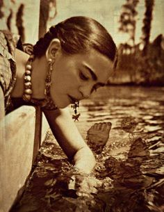 Frida Kahlo Photomontage What The Water Gave Me Art Print Original Signed Mixed Media Collage Surreal Surrealist Diego Rivera, Frida E Diego, Frida Art, Art Fauvisme, Kahlo Paintings, Mexican Artists, Photomontage, Famous Artists, Portraits