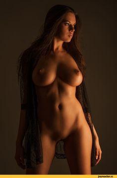 большая грудь,Эротика,красивые фото обнаженных, совсем голых девушек, арт-ню,Nikola Mazgutova