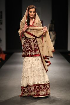 Vineet Bahl Wills Lifestyle India Fashion Week Vineet Bahl Collection, Designs, Fashion Shows, Lehengas & Sarees, Pictures and Photos on Bigindianwedding India Fashion Week, Asian Fashion, Love Fashion, Indian Wedding Fashion, Indian Bridal Wear, Wills Lifestyle, Indian Couture, Indian Outfits, Indian Clothes
