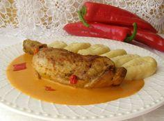 Kuřecí stehno s paprikovou omáčkou a domácími bramborovými noky Treats, Chicken, Food, Red Peppers, Sweet Like Candy, Goodies, Essen, Meals, Sweets