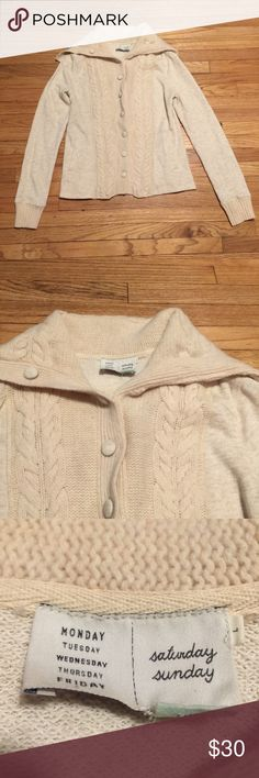Anthropologie Saturday Sunday cream cardigan - Lg Anthropologie Saturday Sunday cream cardigan - Large. Armpit to armpit - 20 inches. Length - 25 inches. Great condition Anthropologie Sweaters Cardigans