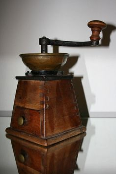 Alte Trapez Kaffeemühle 19. Jahrhundert