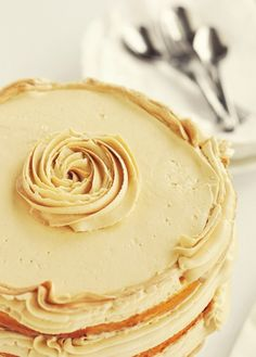 Vanilla Bean Latte Layer Cake - winter inspiration!
