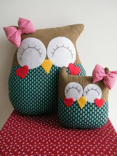 Molde Amor Coruja Owl Sewing, Sewing Toys, Baby Sewing, Sewing Crafts, Sewing Projects, Projects To Try, Cute Pillows, Diy Pillows, Decorative Pillows