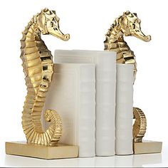 Lend a unique addition to your library collection with our sea inspired Seahorse Bookends.