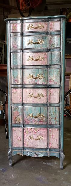 42 Ideas For Painting Wood Dresser Ideas Shabby Chic Decoupage Furniture, Hand Painted Furniture, Funky Furniture, Paint Furniture, Repurposed Furniture, Shabby Chic Furniture, Furniture Projects, Furniture Makeover, Vintage Furniture