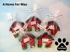 What more you can personalize your pet dog biscuits to perform particular jobs like flea-prevention or breath refreshing too. Here are five excellent recipes you can utilize to create some simple yet scrumptious pet dog biscuits for your family pet. Dog Biscuit Recipes, Dog Food Recipes, Animal Shelter Donations, Dog Vegetables, Brownies Activities, Chicken For Dogs, Shelter Design, Dog Cookies, Dog Biscuits
