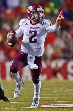 Texas A M quarterback Johnny Manziel Aggie Football d8a560e72