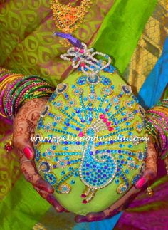 Designer kobbari bondam with peacock design Coconut Decoration, Telugu Brides, Peacock Design, Wedding Events, Garland, Wedding Flowers, Wedding Decorations, Beautiful, Wedding Decor