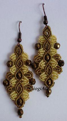 GiogiAle Macrame Earrings Tutorial, Macrame Necklace, Macrame Jewelry, Macrame Bracelets, Crochet Earrings, Charm Bracelets, Jewelry Knots, Jewelry Crafts, Pandora Bracelet Charms