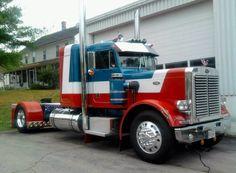 I love the look overall of this single axle drive Kenworth. Peterbilt 359, Peterbilt Trucks, Road Train, Show Trucks, Classic Trucks, Custom Trucks, Rigs, Voodoo, Buses