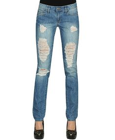 How to make your own ripped skinny jeans. I tried on a pair at the store today that I loved but they weren't in my curvaceous size. ;) Maybe I'll try this!
