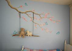 Bloesemtak muurschildering met echte schommel gemaakt door BIM Muurschildering.   blossom mural painting with real swing made from wood