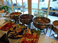diwana indian vegetarian restaurant in london lunch buffet: http://www.europealacarte.co.uk/blog/2015/06/11/review-of-diwana-vegetarian-indian-restaurant-in-euston-london/