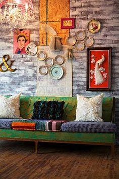 Boho gallery wall, there's something i really like about the easiness of this wall