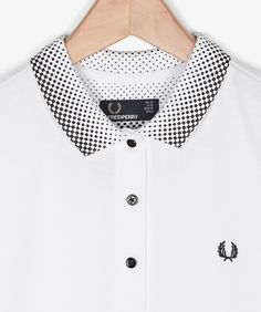 Fred Perry – – dots on collar – gradation sportive dots Fred Perry – – pois sur col – gradation sportive dots Polo Rugby Shirt, Men's Polo, Rugby Shirts, Collar Designs, Shirt Designs, Fred Perry Polo, Urban Fashion, Mens Fashion, Collar Shirts