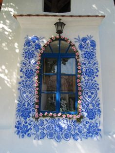 90 Year Old Grandma Turns Small Village Into Art Gallery With Hand Painted Flowers Mural Floral, Floral Artwork, Summer Painting, Time Painting, Traditional Paintings, Traditional House, House Painting, Windows And Doors, Unique Art