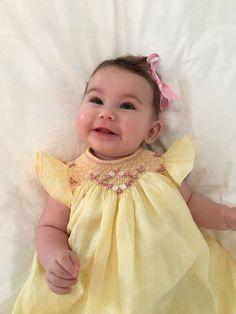 Jesusito amarillo bordado en tonos de rosado. Elaborado por una alumna. Mamá de esta preciosa bebé. Dic 2016.