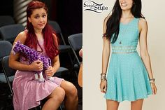 """Outfit 1 Ariana Grande in the Victorious Episode 'The Blonde Squad' – photo by nick.co.uk Ariana looked cute and girly in a Free People Fitted With Daisies Dress (€101.76) in the Victorious episode """"The Blonde Squad"""". Ariana's exact colour is sold out a the moment."""