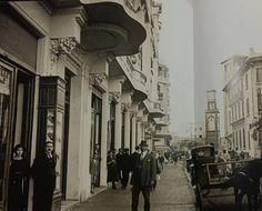 Une rue commerçante à Casablanca en centre ville en 1933